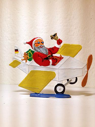 BavPewter_Santa_Plane